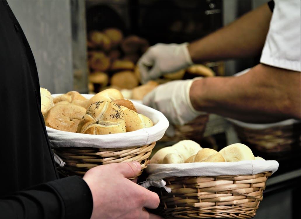 Jedzte pravidelne v práci